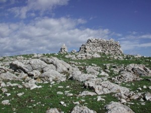 Rovide di una chiesetta sul castelliere di S.Bartolomeo.Foto O.Markovic